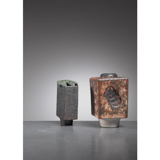 Mid-Century Modern Lotte Reimers pair of ceramic vases, Germany, 1970s For Sale - Image 3 of 5