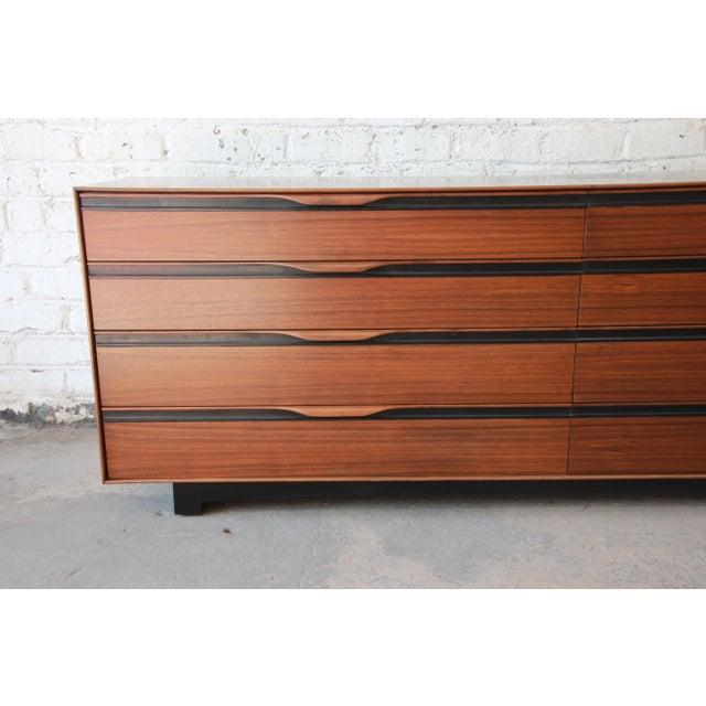 Glenn of California John Kapel for Glenn of California Mid-Century Modern Eight-Drawer Walnut Dresser For Sale - Image 4 of 13