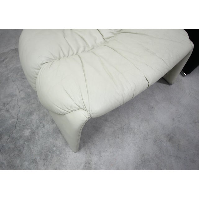 Black Pair of Black and White Vintage Leather Italian Lounge Chairs For Sale - Image 8 of 10