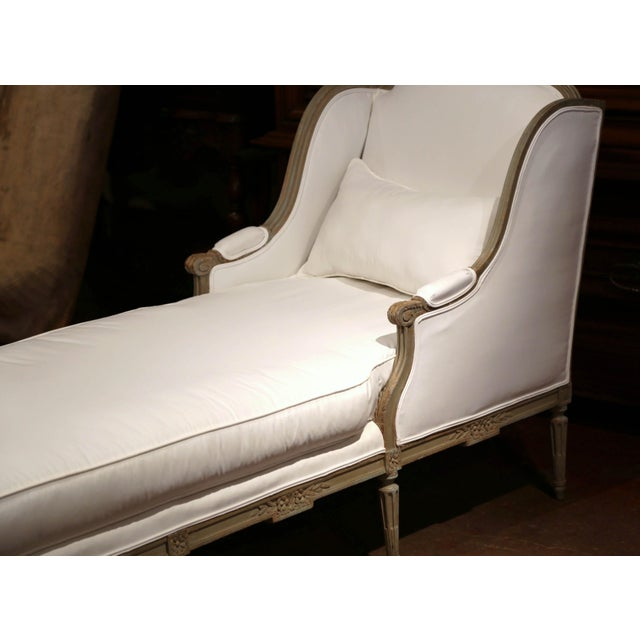 Textile 19th Century French Louis XVI Carved and Painted Eight-Leg Chaise With Muslin For Sale - Image 7 of 12
