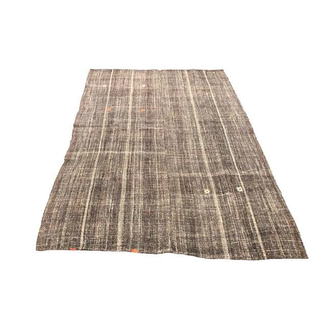 Textile Turkish Brown Organic Handwoven Kilim Rug - 4′8″ × 6′11″ For Sale - Image 7 of 7