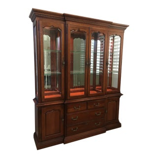 Thomasville Lighted Hutch For Sale