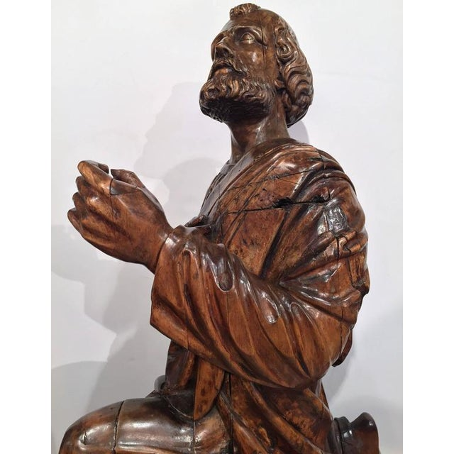 Mid 18th Century 18th Century French Carved Walnut Statue of Saint Peter Kneeling For Sale - Image 5 of 10