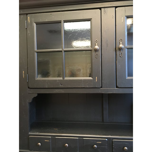 Modern Broyhill Attic Heirlooms China Hutch For Sale - Image 3 of 12