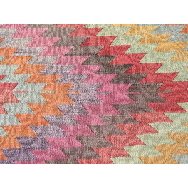 "Vintage Turkish Kilim Rug - 5'9"" X 9'3"" For Sale - Image 9 of 11"