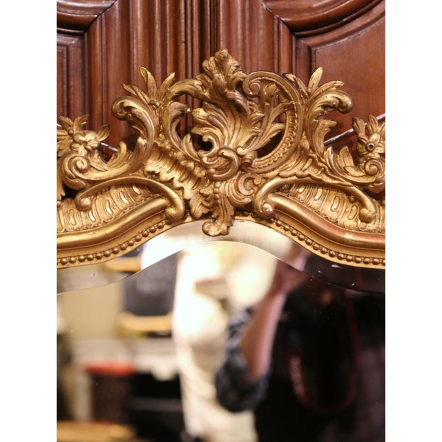 French 19th Century French Louis XV Carved Giltwood and Beveled Wall Mirror For Sale - Image 3 of 7