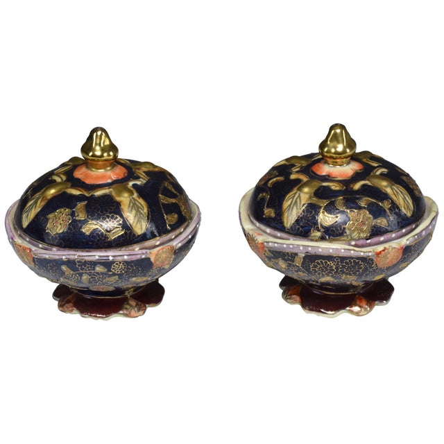 Pair of Antique Japanese Meiji Period Porcelain Trinket or Jewelry Boxes For Sale - Image 13 of 13