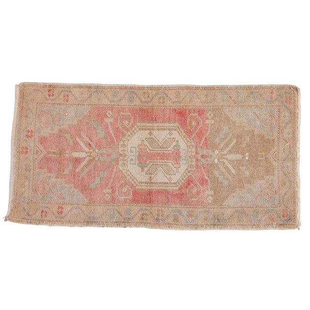 "Textile Vintage Distressed Oushak Rug Mat - 1'6"" X 3' For Sale - Image 7 of 7"