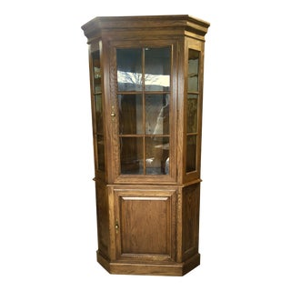 1990s Traditional Ethan Allen Oak Corner Cabinet For Sale