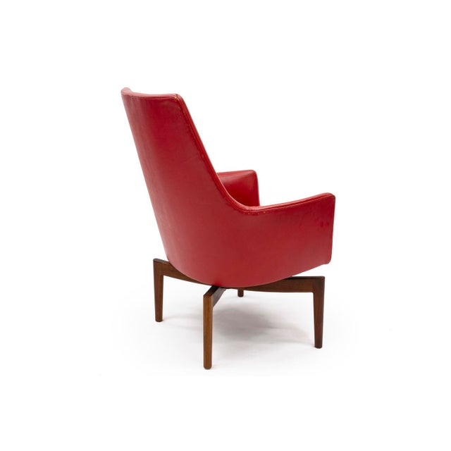 Jens Risom Mid 20th Century Red Leather Swivel Lounge Chair by Jenns Risom For Sale - Image 4 of 9