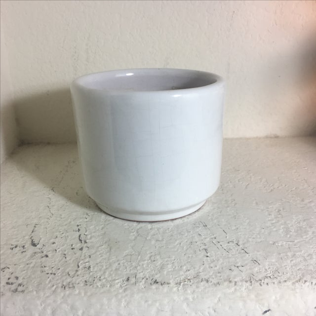 Vintage Small White Gloss Gainey Style Planter - Image 2 of 7