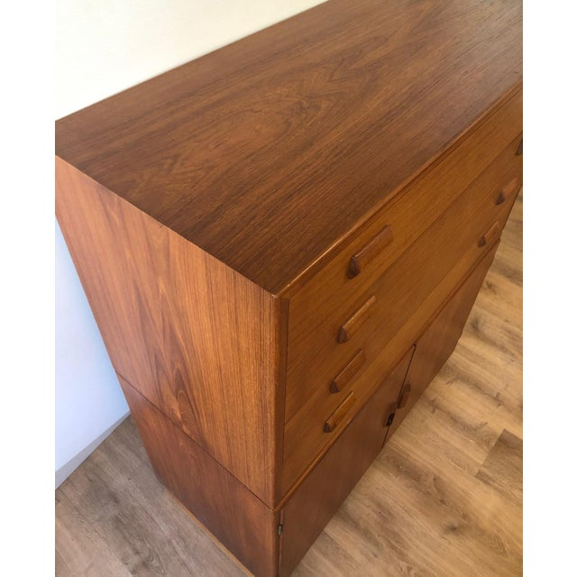 Wood 1960s Mid-Century Modern Soberg Mobler 2 Piece Dresser / Bureau For Sale - Image 7 of 9