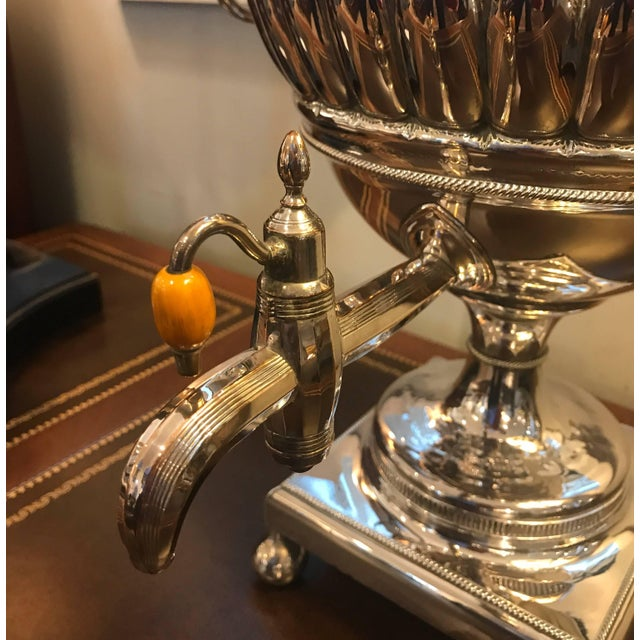 Georgian 19th Century English Silver Plate Tea Urn For Sale - Image 3 of 11