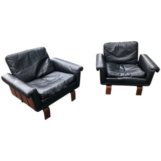 Jorge Zalszupin Jacaranda and Leather Lounge Chairs Brazil, Circa 1960 - a Pair For Sale