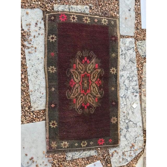 """Textile Hand Made Vintage Turkish Yastik Rug- 1'6"""" X 2'7"""" For Sale - Image 7 of 11"""