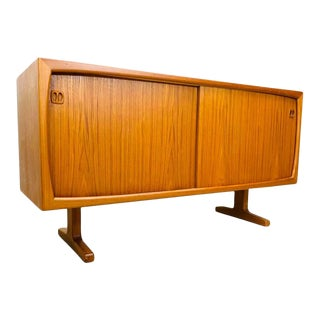 1960s Dyrlund Mid Century Danish Modern Teak 2 Door Credenza For Sale