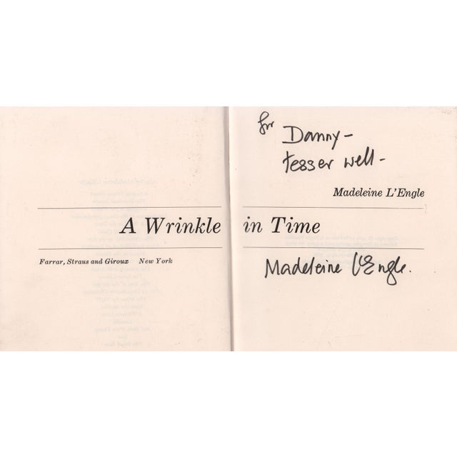"""Booth & Williams 1986 """"Signed Edition, a Wrinkle in Time"""" Collectible Book For Sale - Image 4 of 5"""