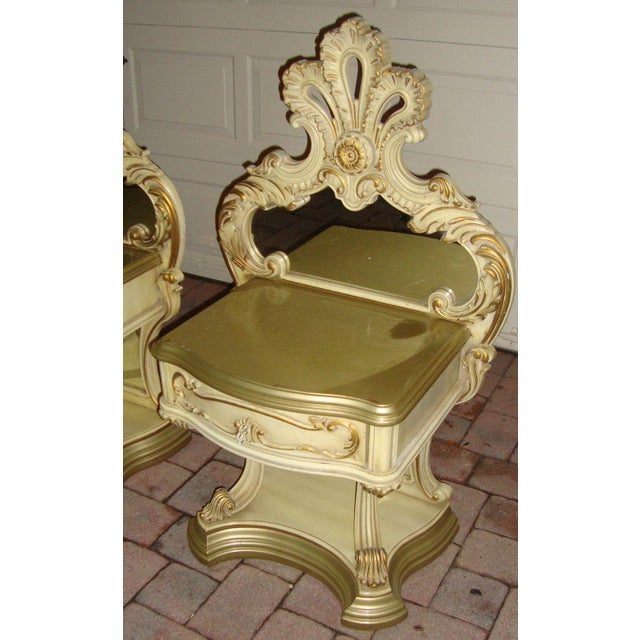 Hollywood Regency Hollywood Regency Mirrored Commodes - a Pair For Sale - Image 3 of 11