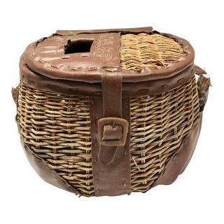 1940s Vintage Handcrafted Creel Fishing Basket For Sale