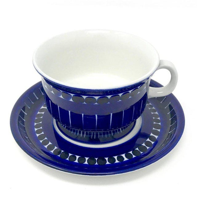 Mid-Century Modern 1960s Scandinavian Modern Ulla Procope for Arabia of Finland Valencia Cup and Saucer - 2 Pieces For Sale - Image 3 of 13