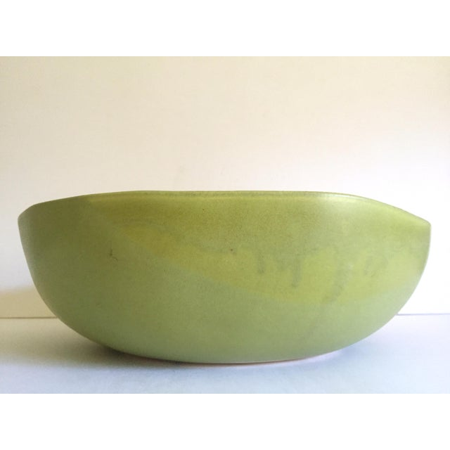 Green Alex Marshall Studios Pottery Vintage Organic Modernist Extra Large Chartreuse Ceramic Serving Bowl For Sale - Image 8 of 13