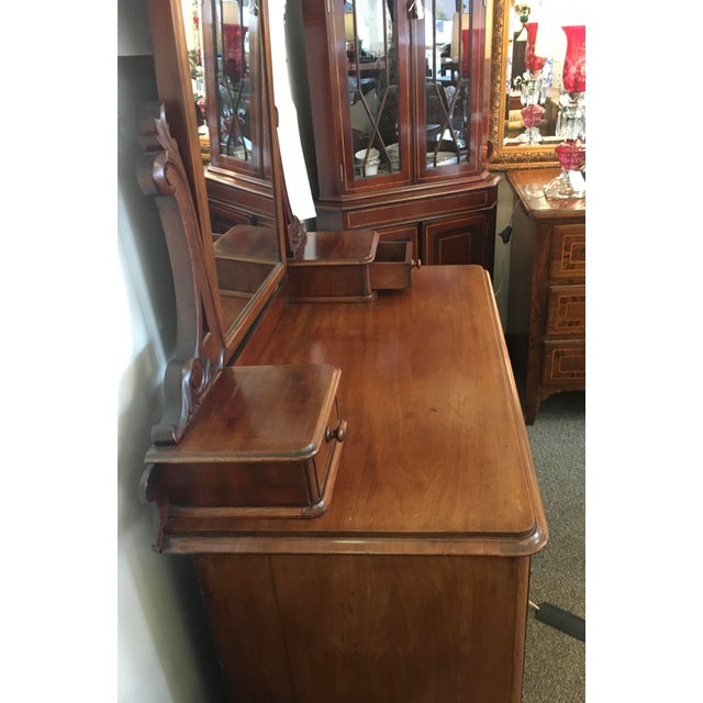 English Antique Mahogany Chest of Drawers With Swing Mirror For Sale In New York - Image 6 of 8