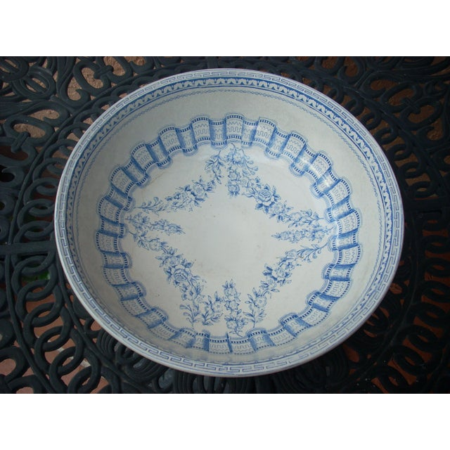 Cottage Blue & White Wash Bowl Set For Sale - Image 3 of 6