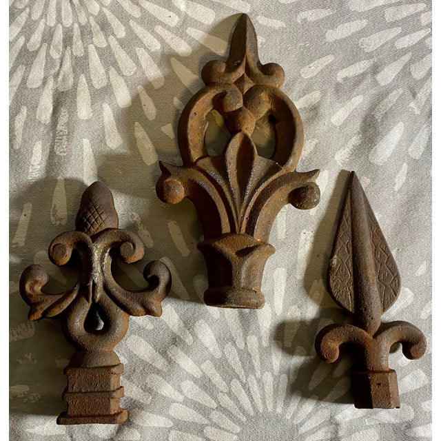 American Antique Rustic Cast Iron Fence Finials - Set of 3 For Sale - Image 3 of 7