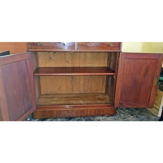 Early 19th Century 19th Century British William IV Mahogany Bookcase of Neat Proportions For Sale - Image 5 of 10