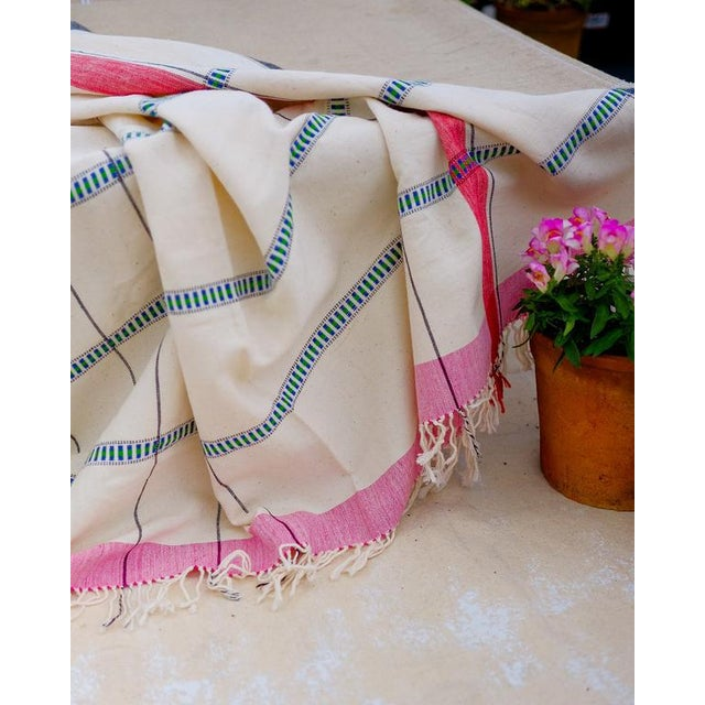 Contemporary Rooma Unbleached Organic Cotton Throw Blanket For Sale - Image 3 of 5