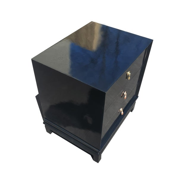 English An American of Martinsville Black Lacquer Nightstand / Dresser For Sale - Image 3 of 8