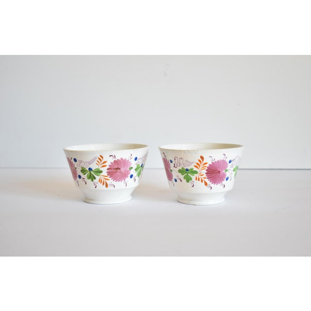 English Antique C. 1810-1820 Pink Luster Staffordshire Creamware Tea Bowls - a Pair For Sale - Image 3 of 13