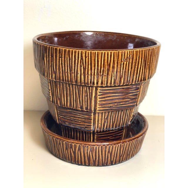 "McCoy Pottery 1940s - 1960s Large ""Brown"" Mid-Century Flower Pot and Saucer For Sale In Los Angeles - Image 6 of 6"