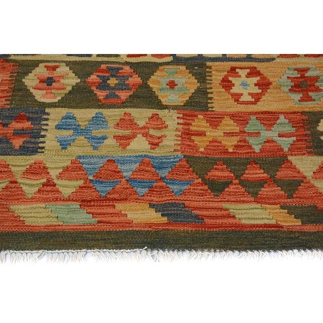 Arya Darwin Gray/Rust Wool Kilim Rug - 6'6 X 9'8 A9296 For Sale In New York - Image 6 of 7