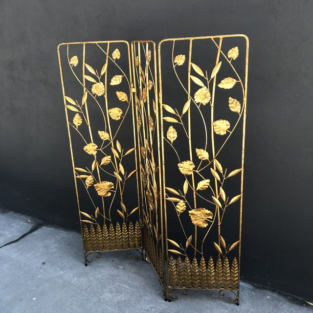 Hollywood Regency Vintage Italian Gilt Ironwork Tole Screen For Sale - Image 3 of 10