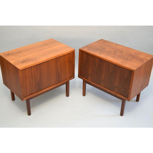 Jack Cartwright for Founders Walnut Nightstands - A Pair - Image 4 of 11
