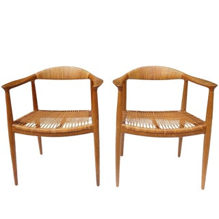 Hans J. Wegner Round Chairs in Oak