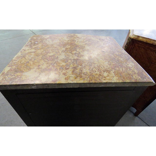 Hollywood Regency Pair of Maison Jansen Inlaid Marble Top Commodes For Sale - Image 3 of 11