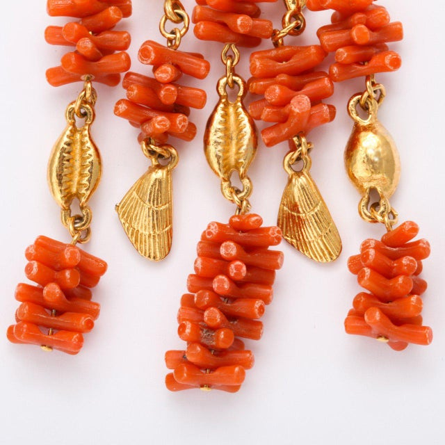 1960s Coral and Shell Pendant Necklace For Sale - Image 5 of 9