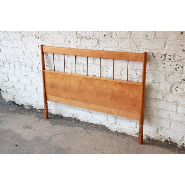 Contemporary Paul McCobb Planner Group Full Size Headboard For Sale - Image 3 of 7