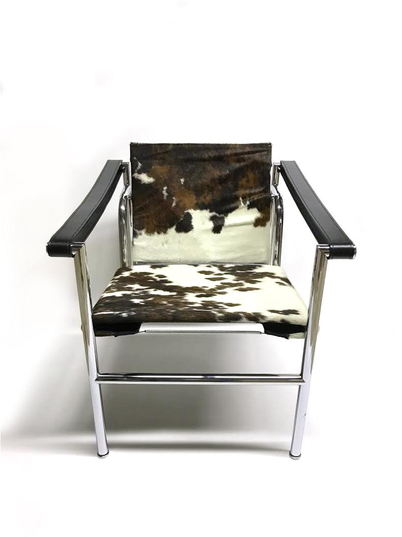 Beau Le Corbusier, Jeanneret, Perriand LC1 Cowhide Sling Chair For Sale   Image  4 Of
