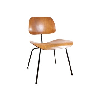 Mid Century Modern Charles and Ray Eames Dcm Dining Chair For Sale