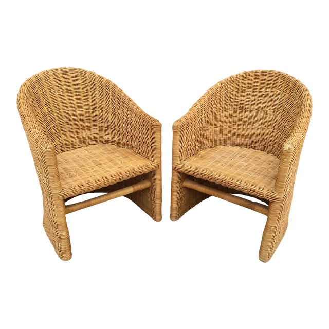 Moderne Rattan Barrel Chairs - a Pair For Sale