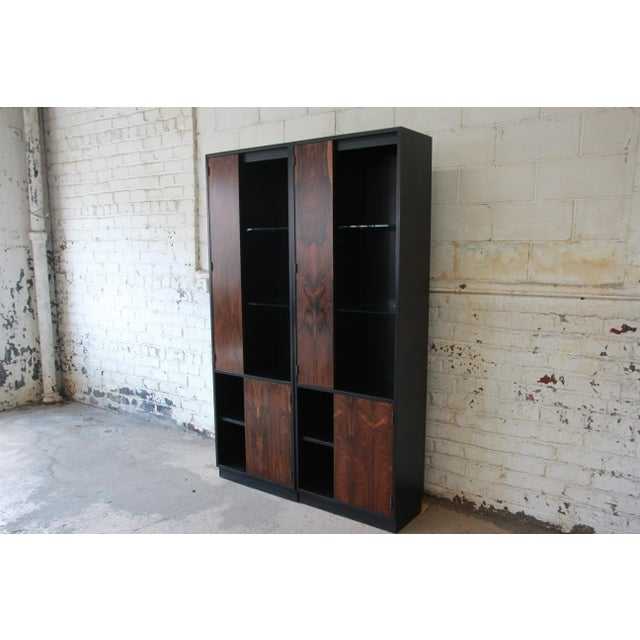 Harvey Probber Rosewood and Ebonized Wood Display Cabinets, Pair For Sale In South Bend - Image 6 of 11