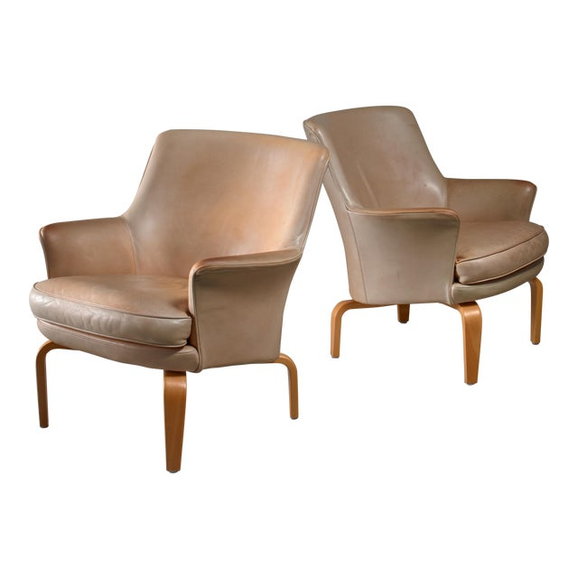 Arne Norell pair of 'Pilot' lounge chairs, Sweden For Sale