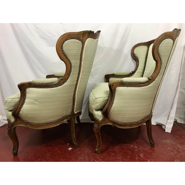 French Louis XV Style Walnut Bergers a Pair For Sale - Image 3 of 10