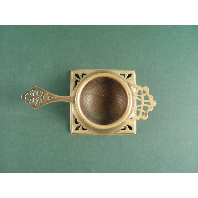 English Traditional Vintage English Tea Strainer & Stand For Sale - Image 3 of 7