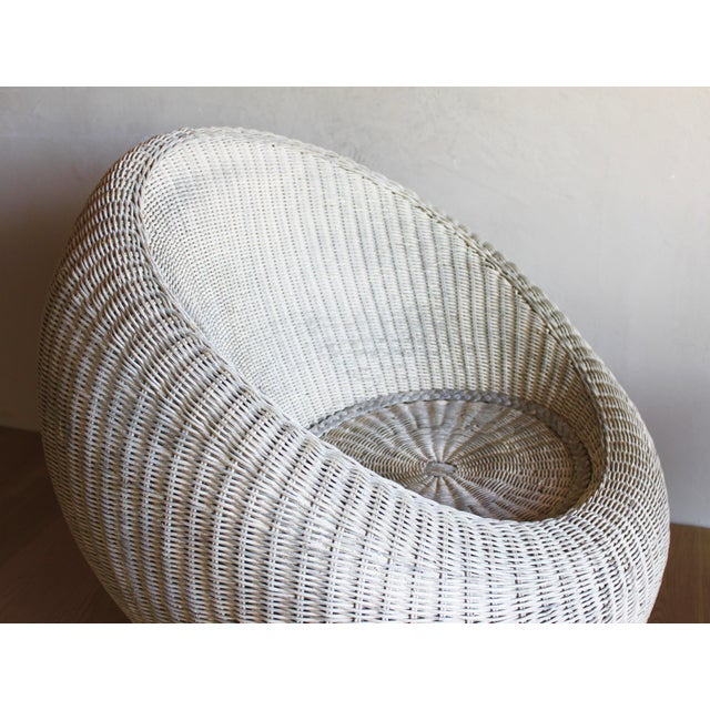 White Isamu Kenmochi for Yamakawa Japan Rattan Lounge Chair & Side Table For Sale - Image 8 of 13
