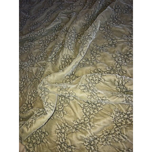 Green Hollywood Regency Style Dransfield & Ross Green Velvet Throw For Sale - Image 8 of 9