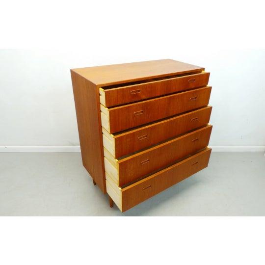 Falster Møbelfabrik 1960s Mid Century Danish Modern Teak Chest 5 Drawer Dresser by Falster For Sale - Image 4 of 9
